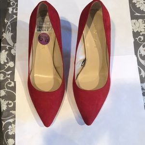 USED Like New Marc Fisher Red Pumps Women's Sz 6.5
